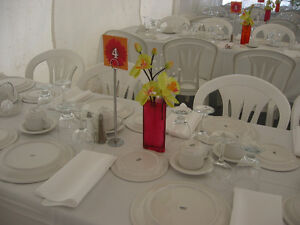 Location table, chaise, nappe