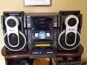 iSymphony Stereo- 3 CD changer and iPod connection