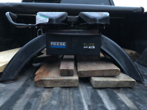Reese Elite 25k fifth wheel hitch for Ford prep package