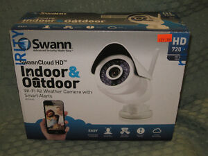 SWANN INDOOR/OUTDOOR SECURITY CAMERA Wi-Fi