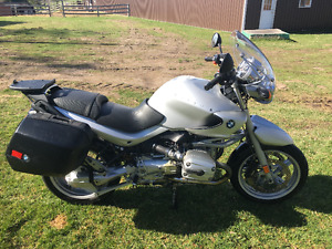 BMW R1150R in excellent shape with hard bags