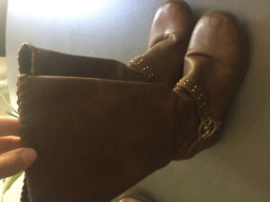 Children Michael Kors boots. Size 4 and 5. Good condition