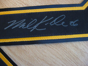 NHL BOSTON BRUINS PRO JERSEY SIGHNED AUTHENTIC NUMBERS Cambridge Kitchener Area image 3