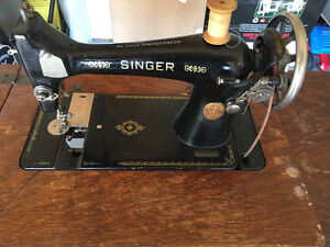 Antique Singer Sewing Machine and cabinet Regina Regina Area image 2