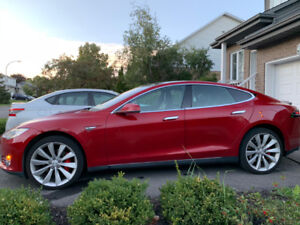 Tesla Model S P90D Ludicrous Autopilot, Premium, Winter, Red