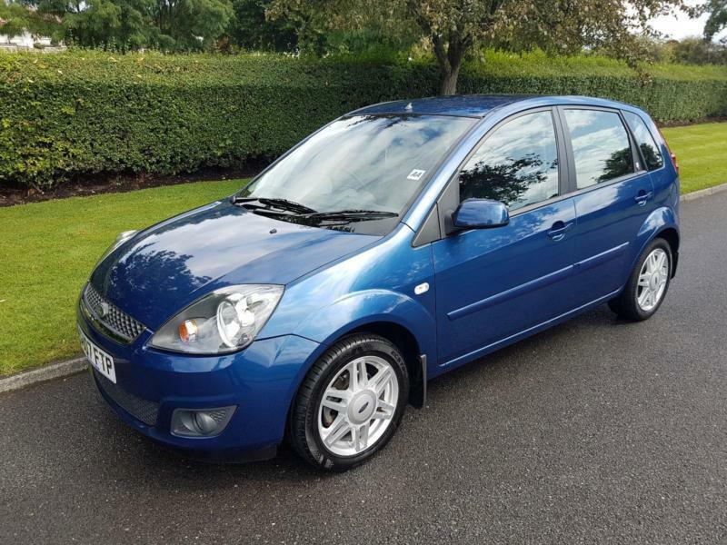 ford fiesta 1 4 ghia 5 door 2007 blue leather. Black Bedroom Furniture Sets. Home Design Ideas