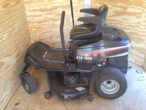 Zero Turn Lawn Tractor