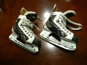 Hockey Skates  Reebok 20k youth  size 4.5