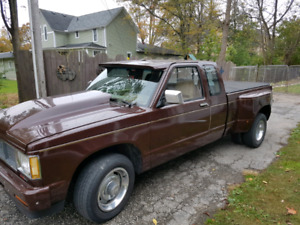 Chevy S10 Dully Truck