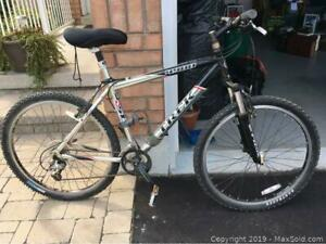 Trek 4900 MOUNTAIN BIKE