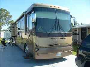 Newmar Dutch Star 4026 Motorhome with 3 Slides