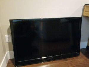 "42"" HD LCD TV - Excellent Shape"