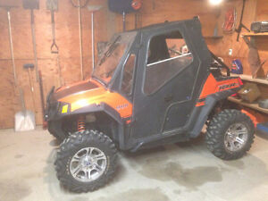 """""""Attention Hunters"""" Full Cab Enclosure for a Polaris RZR 800"""