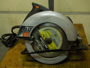 Circular Saw 7 1/4 in by Skil