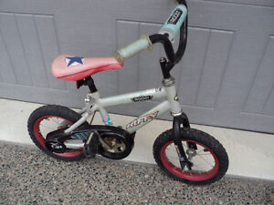 HUFFY CHILD'S BIKE ~ 12 INCH TIRES ~ GOOD RUBBER ~ SOLID BIKE!!