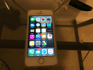 Iphone 5s- Excellent Condition with New Battery $250