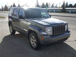 2012 JEEP LIBERY NORTH - LOW LOW KM's