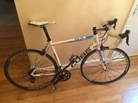 Cube Peloton Alu-Carbon road bike. Similar to specialized Roubaix. Ultegra - 105