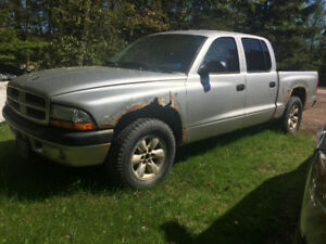 2003 dodge Dakota (parts or restore)