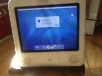 2001 eMac PowerBook G4 Comes with Keyboard and Mouse