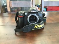 NIKON D70s CAMERA BODY WITH BATTERY CHARGER AND MEMROY CARD