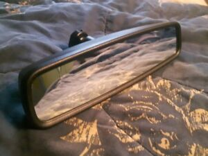 2012 Ford F-150 XTR rear view mirror with auto dimming