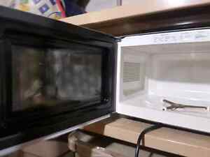 RCA Stainless steel with Mirrored Door Microwave Kitchener / Waterloo Kitchener Area image 2