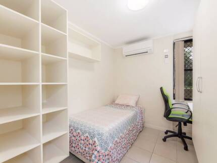 Convenient location, Air-conditioned, Bills included