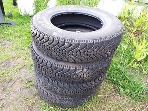 Tires with n without rims