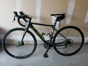 BRAND NEW! 51 cm Aluminum GT Grade Road (cyclocross) bike