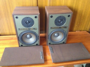 Vintage SCOTT Speakers