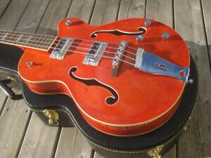 Basse Gretsch G5440LSB Long Scale bass hollowbody.