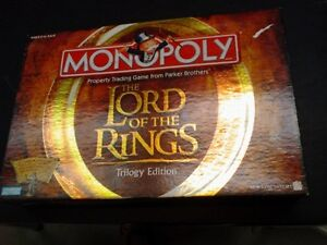 MONOPOLY THE LORD OF THE RINGS TRILOGY EDITION LIKE NEW