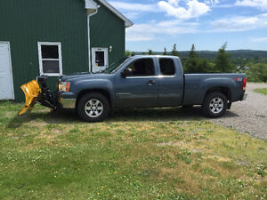 """2008 GMC Sierra 1500 Pickup Truck with 7'6"""" Fisher Blade"""