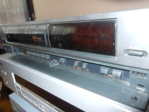 WATCH FAMILY MOVIES OR NOSTALGIC MOVIES ON VHS FISHER VCR