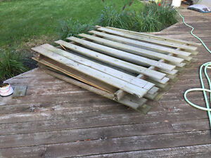 2 sections of fence