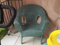 1 chaise en rotin 819=378-4954