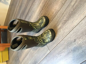 Size 11 toddler Bogs Winter/Rain Boots
