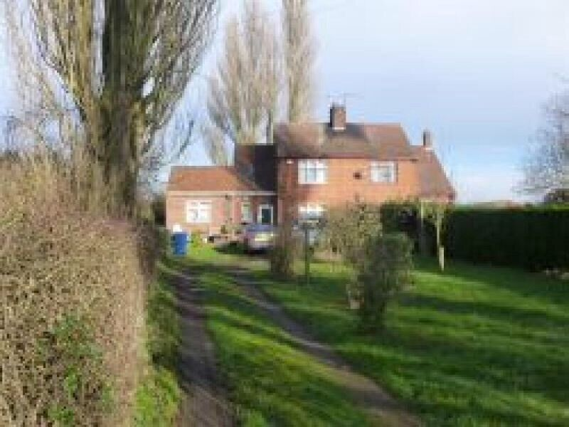 LARGE 4 BED RURAL HOUSE
