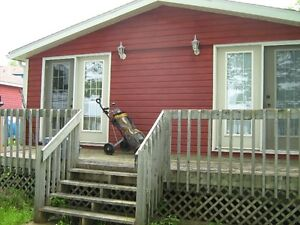 Bachelor Cabin, Waterfront, Fall River