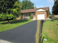 Ancaster/Hamilton Beautiful Furnished House, Large Yard and Deck