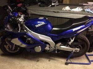 2000 Yamaha YZF600