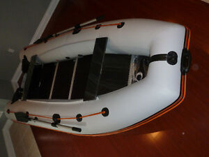 PROFESSIONAL BRAND NEW 12' 5-PERSON DINGHY