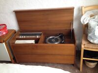 Retro radio/ record player