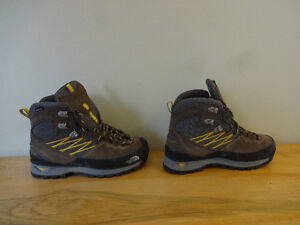 Size 6 North Face hiking boots - $130 new - Only $45 St. John's Newfoundland image 2