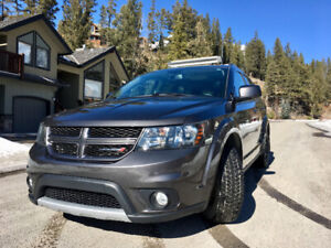 Great condition, 2015 3.6L  Dodge Journey R/T AWD with low KM