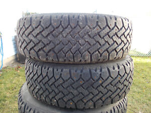 p185/65/14 inch studded winter tires / honda rims / GOOD DEAL