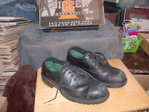 USED WORK BOOTS SIZE 13 DIGGER STEEL TOE