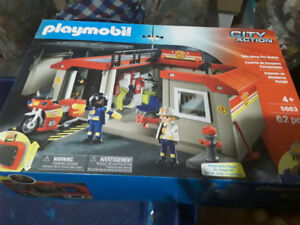 Playmobil city action take along fire station1