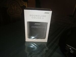 BRAND NEW -BOSE SOUNDLINK COLOR 11